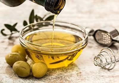 membasmi kutu rambut dengan minyak zaitun