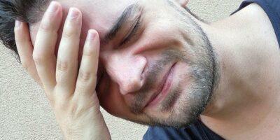 Cara Mengatasi Sakit Kepala aladokter