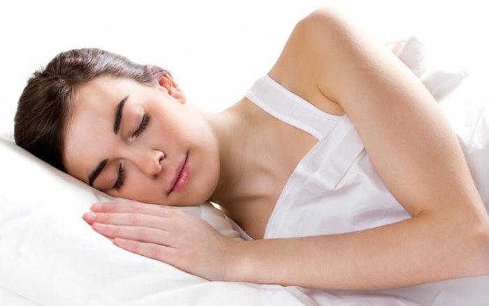 Dengan tidur yang cukup dan nyenyak pikiran menjadi lebih tenang