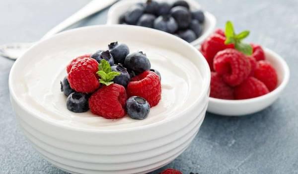 yogurt beri camilan untuk penderita diabetes